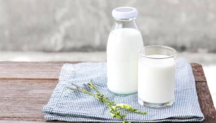 الحليب الحيواني أم النباتي... أيهما أكثر فائدة