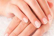 البقع البيضاء على الأظافر تؤشر الى امراض معينة...ما هي؟