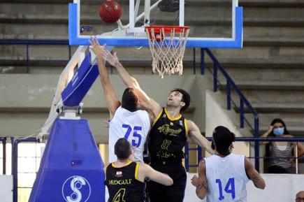 الرياضي بيروت جدد فوزه على الشانفيل في نهائي بطولة السلة