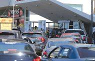 فياض والبراكس يبشّران بانفراج في ازمة البنزين
